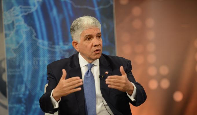 Eduardo Estrella, perfil del senador propuesto por el PRM para presidente  de la Cámara Alta - CuartaSemana.com.do